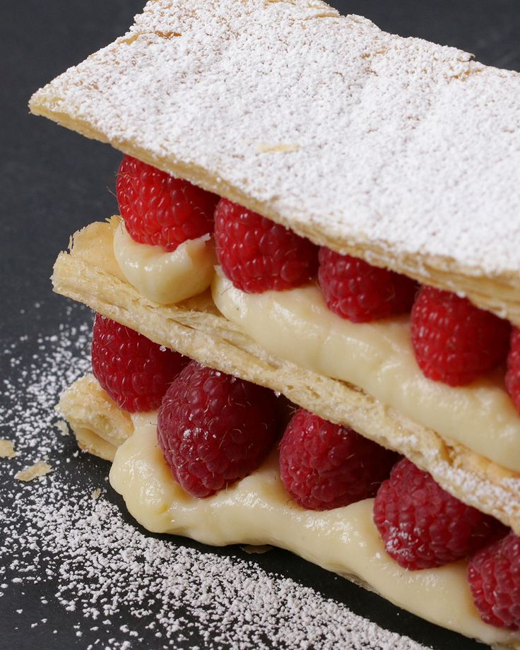 Mille-feuille aux framboises (recipe in French but can translate)