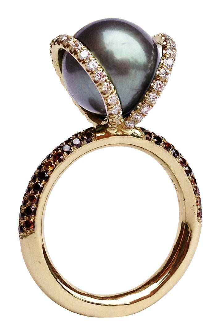 Spinelli Kilcollin gold, diamond and pearl ring