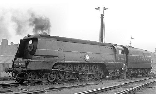 35005 CANADIAN PACIFIC in early British Railways days at Nine Elms ready to work the ACE. Note she is carrying the Southern Railway style of headboard.