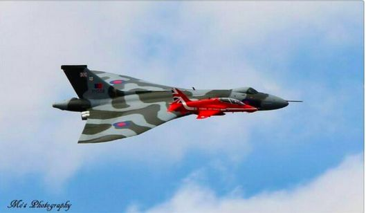 Vulcan with Red Arrows