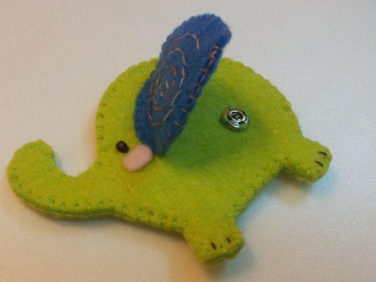 http://en.dawanda.com/product/54978919-Green-Elephant-Ohrhoerer-Winder