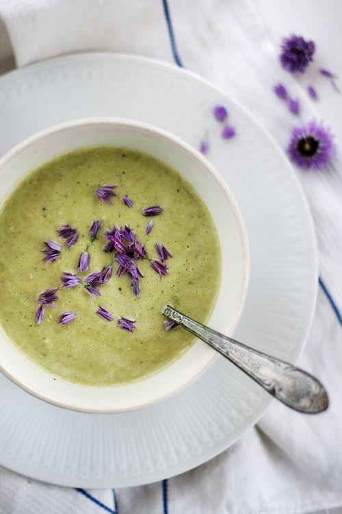 Sparrissoppa för en regnig sommardag   Det gröna skafferiet