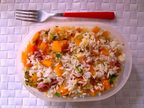 #Schiscetta - Insalata di riso basmati con melone, provolone piccante, prosciutto crudo e menta