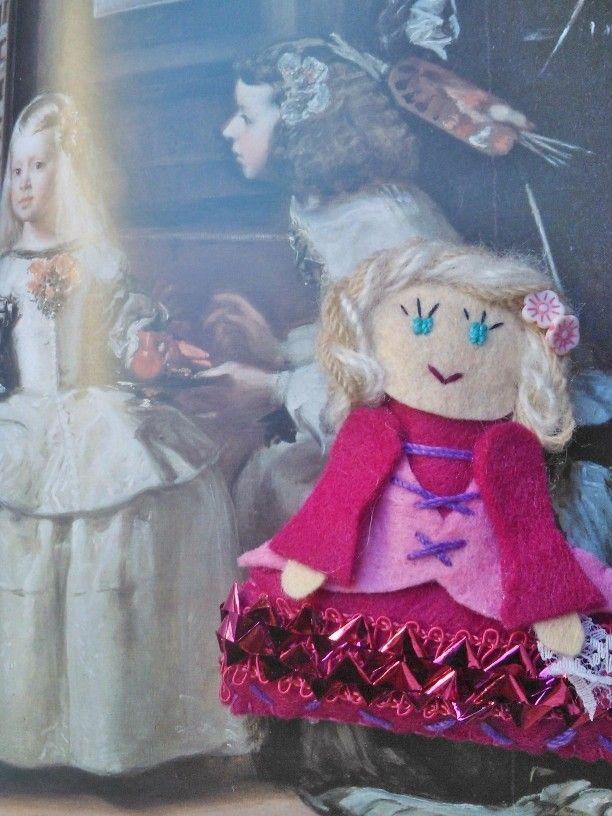 ¡¡ Qué mona ¡¡ muñeca en fieltro meninasd