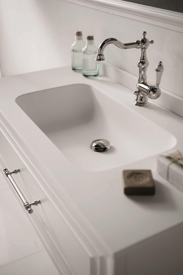 Dettaglio lavabo in resina #GaiaMobili #gaia #bathroom #bagno #bathroomideas #bath #madeinitaly #italian #bathroompics #architect #interior #interiordesign #designer #furniture #wood #laccato #ral #lacquered #arredamento #showroom #mirror #luxurybathroom #classic #classicbathroom #arredobagno #mobiledabagno #italianstyle #resina #top #lavabo #washbasin #resin #taps