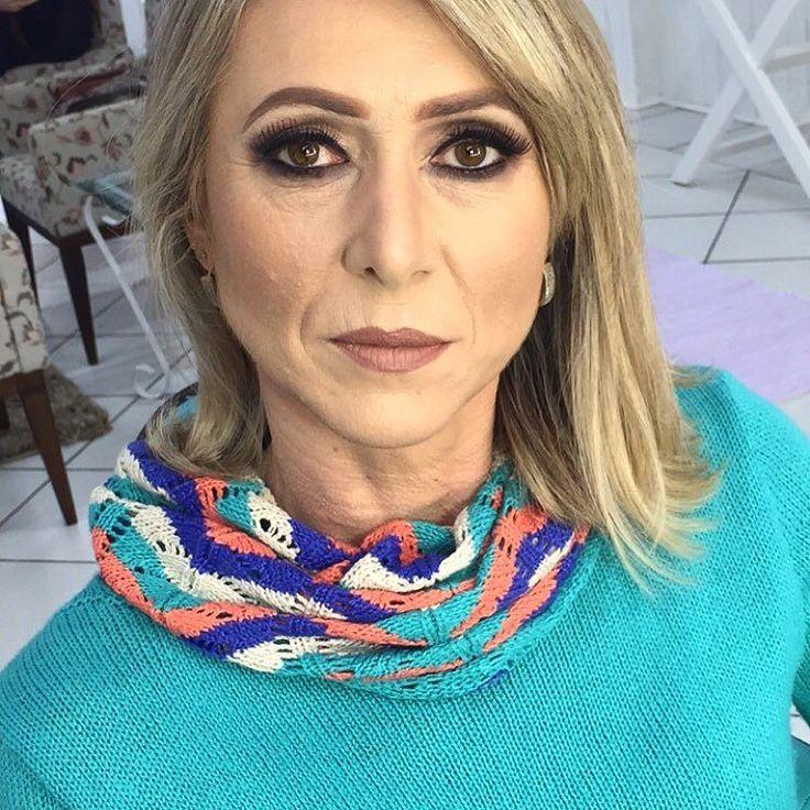 http://www.youtube.com/channel/UCqEqHuax3qm6eGA6K06_MmQ?sub_confirmation=1 Maquiagem feita todinha pela minha aluna @charmanymakeup  Maquiagem para peles maduras belas recatadas e dor lar!  A Adri é mãe da minha real oficial @d.rosso rainha mãe né mores!  #makeup #makeupartist #makeupaddict #makeuplover #maquiagem #maquillaje #maquillage #maquiagemx #maquiagembrasil #remakeup #lilienemakeup #universodamaquiagem_oficial #mfmaquiagem #mariliagabbmakeup #vegas_nay #pausaparafeminices #mac…
