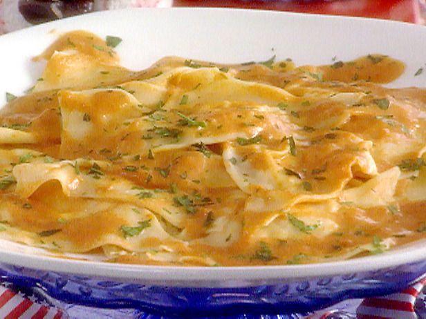 Crab Ravioli in Creamy Tomato Sauce Recipe : Sandra Lee : Recipes : Food Network