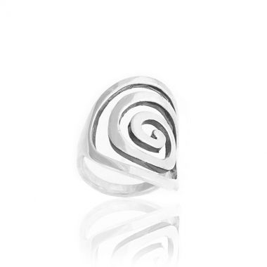 A 925 polished silver oval shaped chunky ring depicting the famous ancient greek design, the Circle of Life. Symbol of the infinity of things in the universe and the cyclical nature of life in ancient Greece, this hand crafted ring will be an excellent addition to your personal jewellery collection. Match it with similar greek design sterling silver earrings with colourful gemstones and get ready to be showered with compliments.