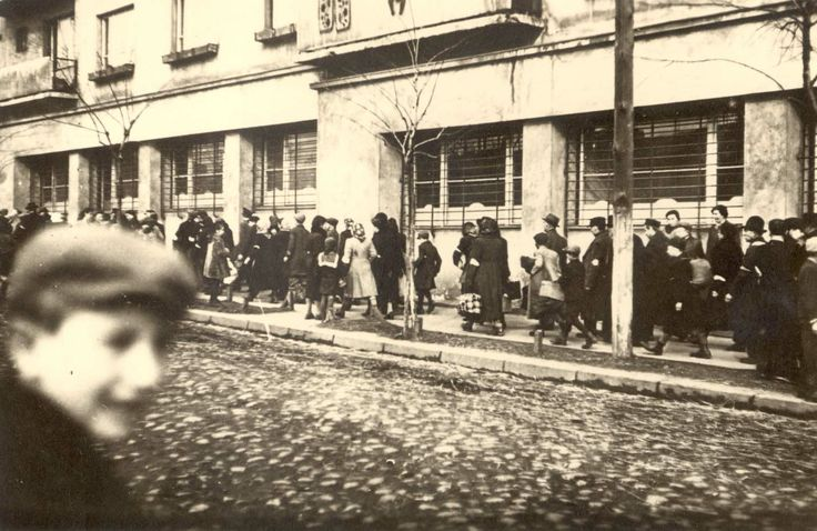 April 1941. Jews deported from the city of Oświęcim (Auschwitz) arrive at Bedzin ghetto. Some time later most of them returned to Auschwitz - yet not to the city, but the camp, where most of them were murdered in gas chambers.