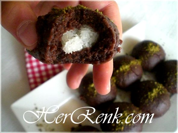 COCO /KOKO STAR KURABİYE  Bunları kurabiye hamuru sayısına denk gelecek şekilde hazırlayalım.    Kurabiye hamurundan ceviz büyüklüğünde parçalar kopararak, yuvarlak şekiller yapalım  http://www.herrenk.com/sdetay.asp?id=1026=2013