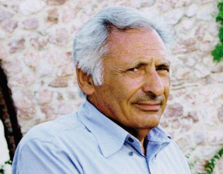 Fra me e Lucio Battisti c'era una grandissima stima reciproca, una stima esagerata. Io pensavo che lui fosse un musicista straordinario, lui pensava che io fossi un grande poeta.