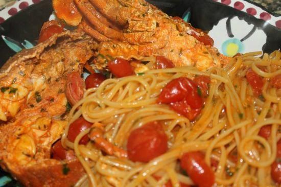 Il sapore del mare di Puglia in un piatto gustoso.  Linguine alle Cicale. Buon appetito da HiPuglia! http://www.hipuglia.com/2013/07/linguine-alle-cicale.html #Puglia #Mare #Cucina #Ricette
