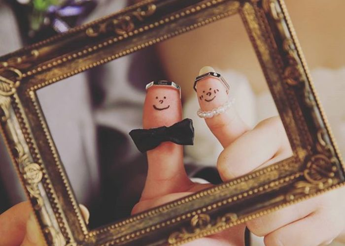 結婚指輪と婚約指輪を使う!『親指フォト』の写真の撮り方