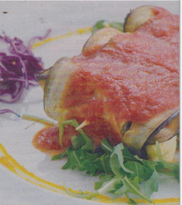 Ecco come preparare gli involtini alle melanzane  http://www.ilblogdiuominiedonne.net/ricette-tradizionali-della-cucina-italiana/ricetta-cucina-involtini-alle-melanzane/