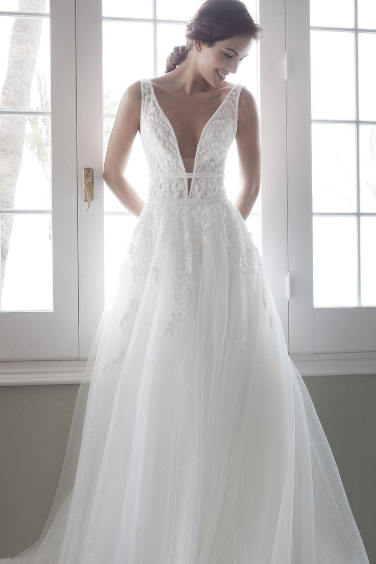 "LOISE - Magnificent ivory ""A"" line dress."