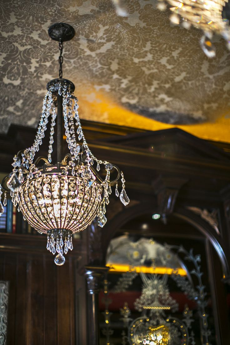Ri Ra Irish Pub Las Vegas With Warwickshire Damask On Ceiling