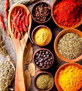 ESPECIADO  En la antiguedad las especias eran consideradas como auténticos tesoros. Y no es para menos, ya que otorgan versatilidad a nuestros platos y alimentos.