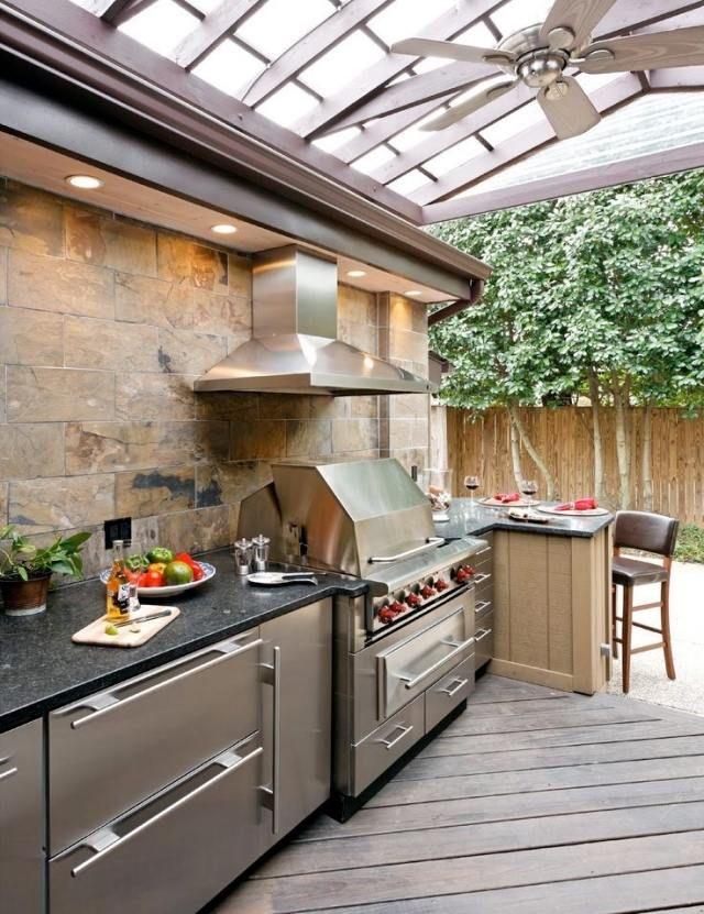 sommer Küche überdachte terrasse grill abzugshaube esstheke