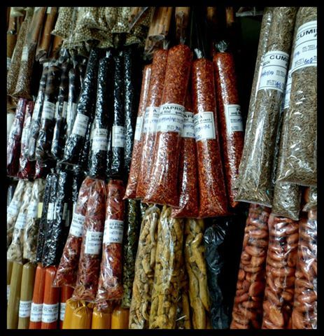 At the central Kandy Market you can find all kinds of local spices