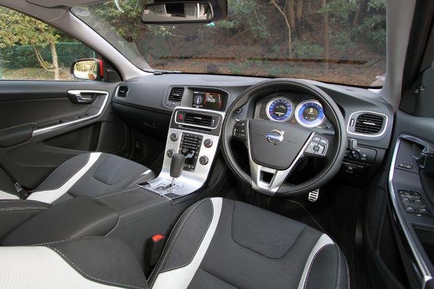 VOLVO S60 T4 R-DESIGN[Interior]