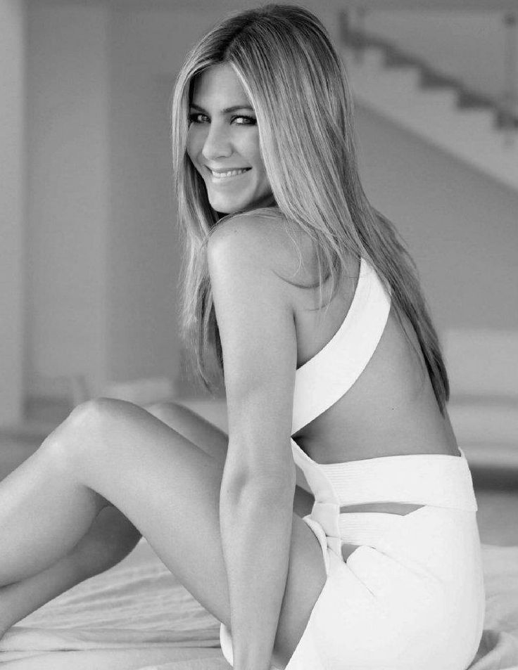 IVE ALWAYS LOVED HER SHES MAY FAVE ACTRESS : ) Jennifer Aniston