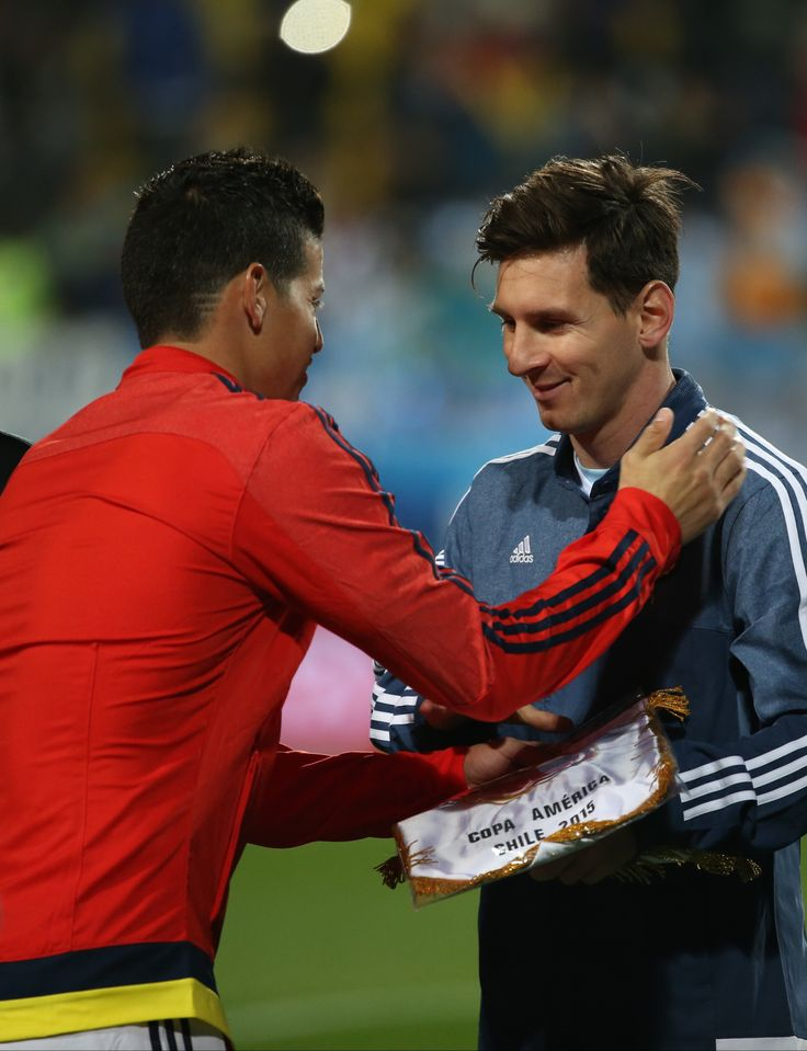 James Rodriguez of Colombia greets Lionel Messi of Argentina prior the 2015 Copa America Chile quarter final match between Argentina and Colombia at Sausalito Stadium on June 26, 2015 in Viña del Mar, Chile. Captains James and Messi Colombia vs Argentina . Copa América Chile 26.6.15