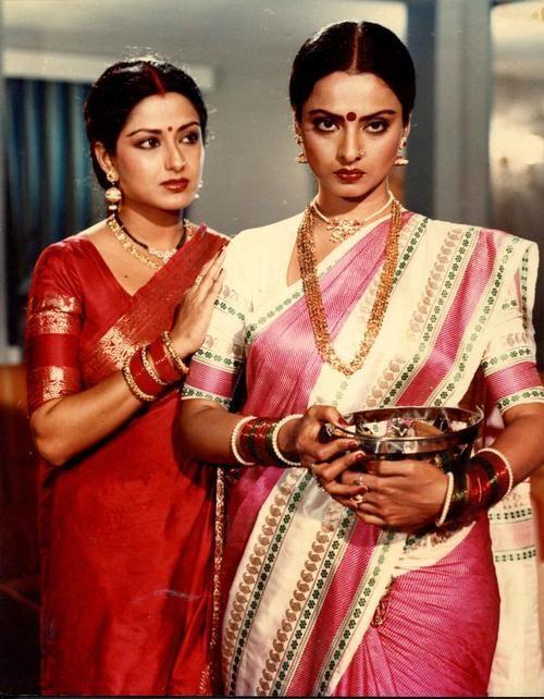 Rekha & Mausami in a movie still.