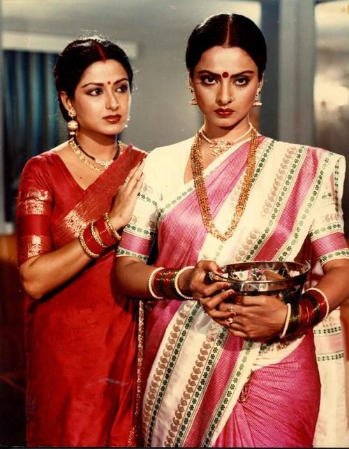 Rekha & Mausami in a movie still.