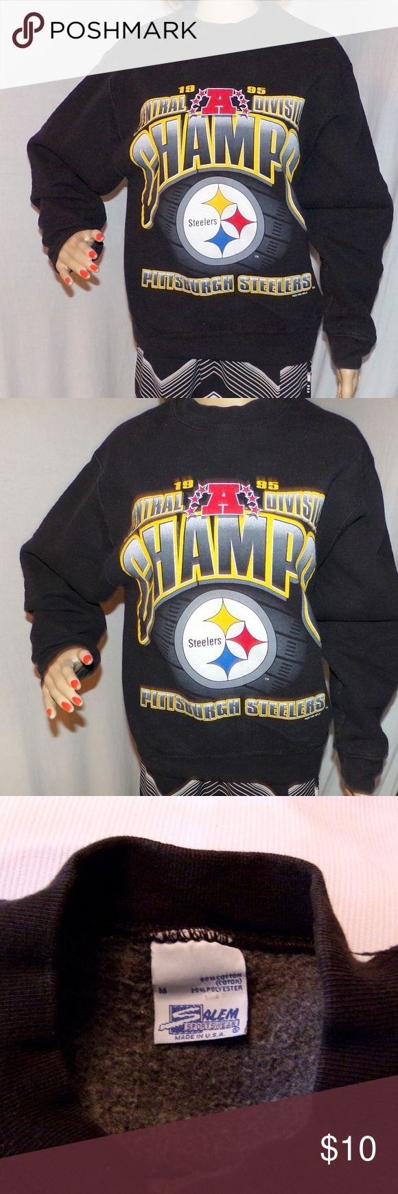 """Pittsburgh Steelers Sweatshirt Embroidered 1995 M Pittsburgh Steelers Sweatshirt Embroidered 1995 Vintage sweatshirt NFL Size M LOW & Fast Shipping. Really nice sweatshirt from back in 1995! Made of 80/20 Cotton/Poly Blend and made by Salem Sportswear in the USA. It is in VG-Excellent Vintage Condition 23 years old! Go Steeler Nation. MEASUREMENTS: Size is M (Medium)  Length-25""""/Chest-20"""" Model's Measurments are 32-24-33 BUNDLE 2 or more of our items for a FAIR SPECIAL PRICE :) Salem…"""