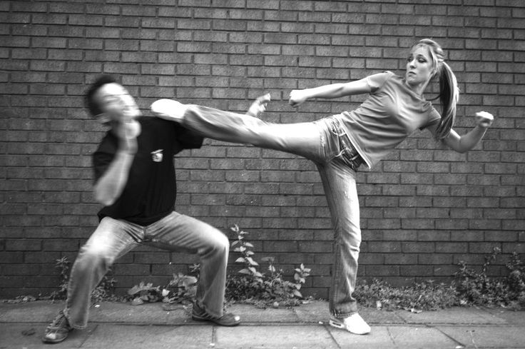 Bonasse+Bagarre=Bagaronasse: Krav Maga, Workout Woman, Martial Artsselfdefen, Strength Training, Defen Class, Defen Awareness, Self Defense, Workoutself Defenc, Defen Workout