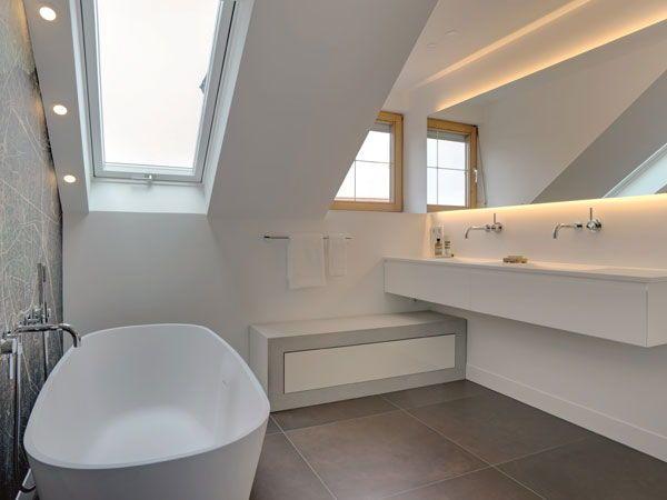Finde Jetzt Dein Traumbad Wertvolle Tipps Von Der Planung Bis Zur Umsetzung Dachschrage Fenster Badewanne Und Bad
