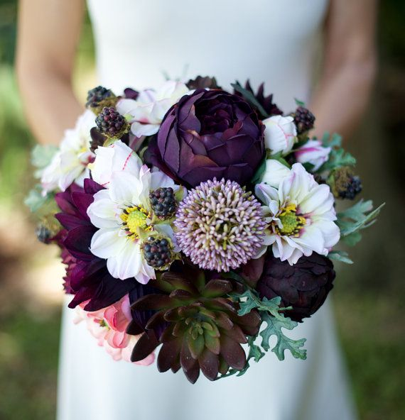 ERSTAUNLICHE lila Plum Hochzeit Seide Sukkulente von Wedideas