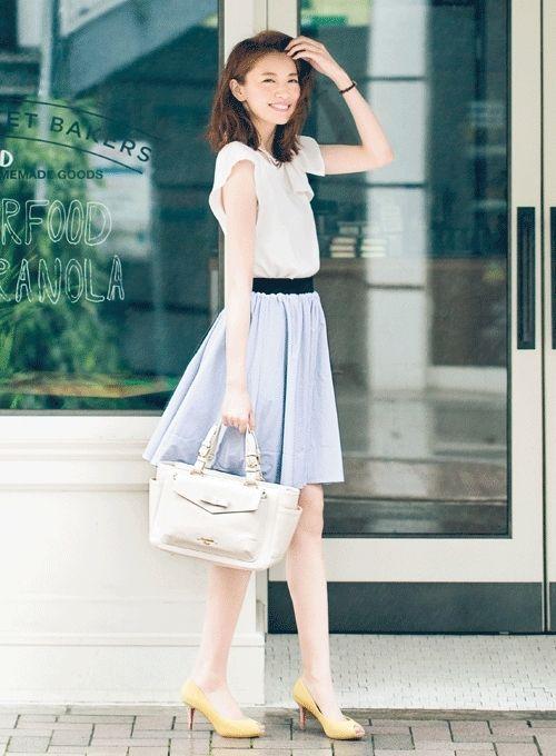 Feminine day 1: ribbon blouse x taffeta skirt