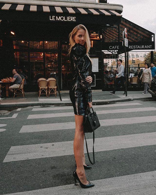 Instagram Media By Jemerced Parisienne Evenings Wearing A Total Look From Ysl Vitkac Parisfashionweek Fashion Week Paris Model Pakaian Fotografi