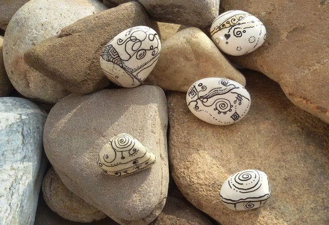 Deko-Objekte - Handbemalte Steine-5-er Set-Geschenk,Deko - ein Designerstück von PetiteMaman-Atelier bei DaWanda