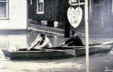 Rowing along Wharncliffe Road, London 1937 Flood