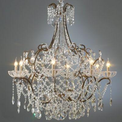 Grand #lustre à chapelets de pampilles de cristal et perles de verre de #Venise Coupelles à chapelets de notre fabrication, une pure merveille! Ce lustre est une pure merveille d'élégance et de raffinement.... www.i-lustres.com