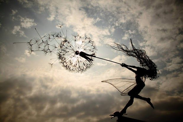 Wire Sculptures by Robin Wight: robin wight 7.jpg