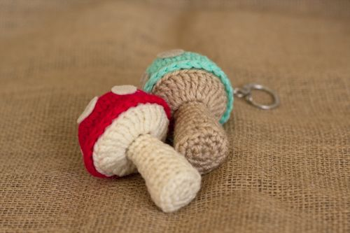 Mushroom Keychain - free crochet pattern from Miss Dolkapots Krafties.