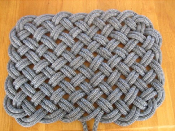"Make a rug out of an old climbing rope!.. maybe I should do this when I have to ""retire"" my rope"
