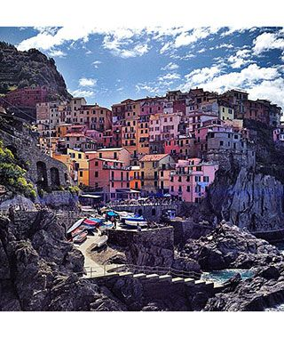 Places You'd Rather Be Right Now: Cinque Terre, Italy                            Most definitely!!! Italy your on my bucket list!!
