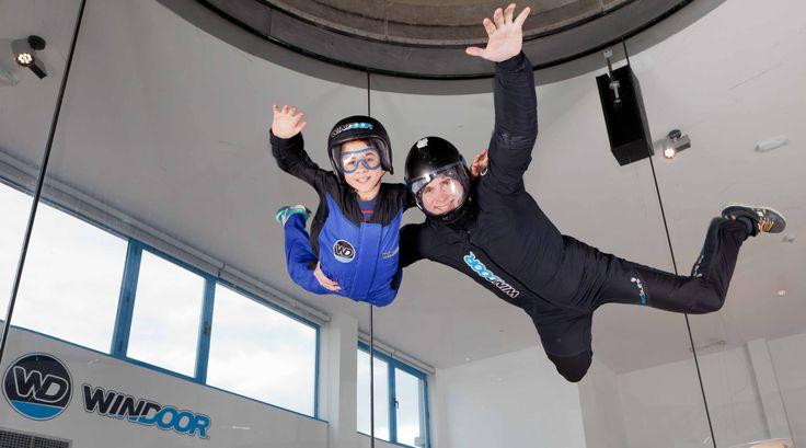 A partir de 4 años los niños ya pueden experimentar la sensación de volar en Windoor Empuriabrava!