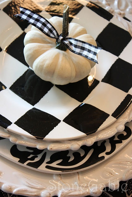 White and black table setting for fall. Black and white wedding ideas