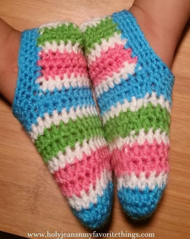 Free crochet pattern: Big Kids Happy Feet Slippers (Crochet Slipper ...