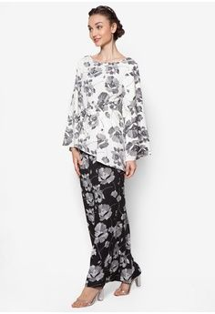 Belted Printed Kurung from Lubna in black_1