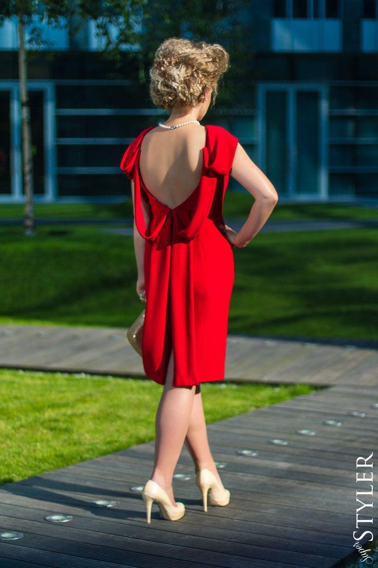 Francja Elegnacja Czerwona Sukienka Rina Cossack Kremowe Szpilki Dresses Fashion Backless Dress
