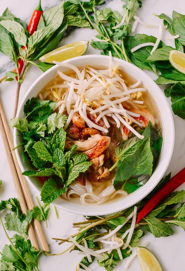 #20-Minute #Chicken #Pho recipe by thewoksoflife.com