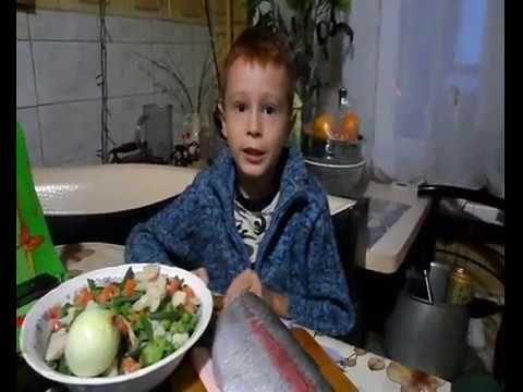 Форель Запечённая с овощами в сметане под сыром.