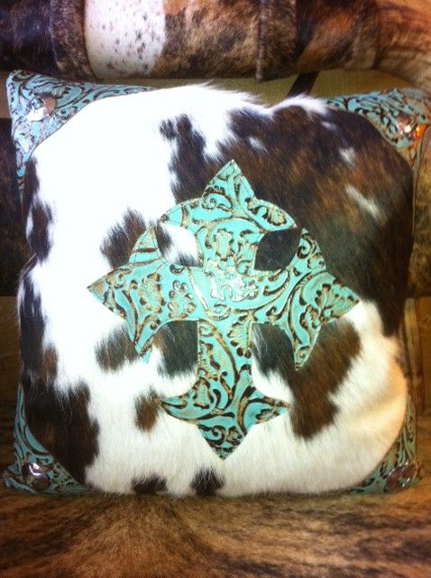 Cowhide Pillow/Turquoise Cross: Cowhide Pillows Turquoi, Turquoise Oh, Country Westerns House, Pillows Turquoi Crosses, Pillows Crosses, Throw Pillows, Westerns House Decoration, Couch Pillows, Pillows With Crosses