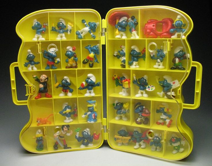 Lot Of 33 Vintage 70 S Early 80 S Smurf Figures With Case Its